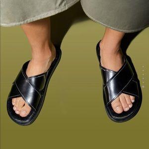 Zara flat faux fur sandals sz 6